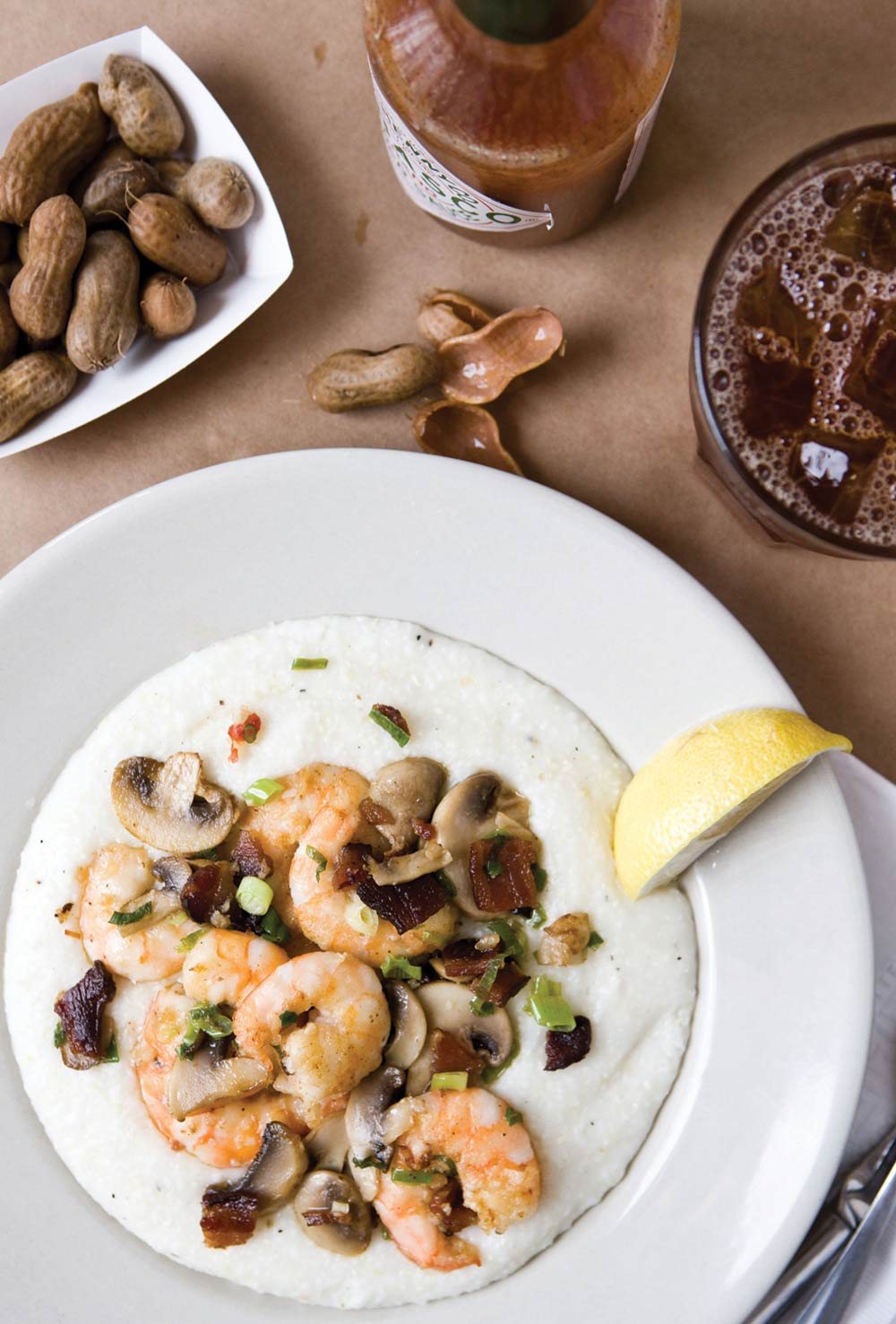 Southern Hospitality at Its Best Shrimp 'n' Grits - Featured Thumbnail